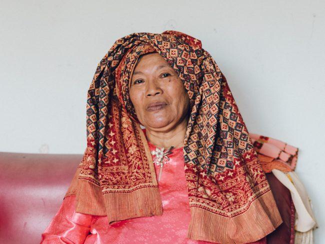 Sumatra Frau mit Tuch